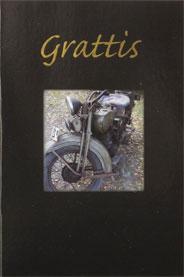 Gammal motorcykel i ruta