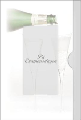 Två champagne glas fylls